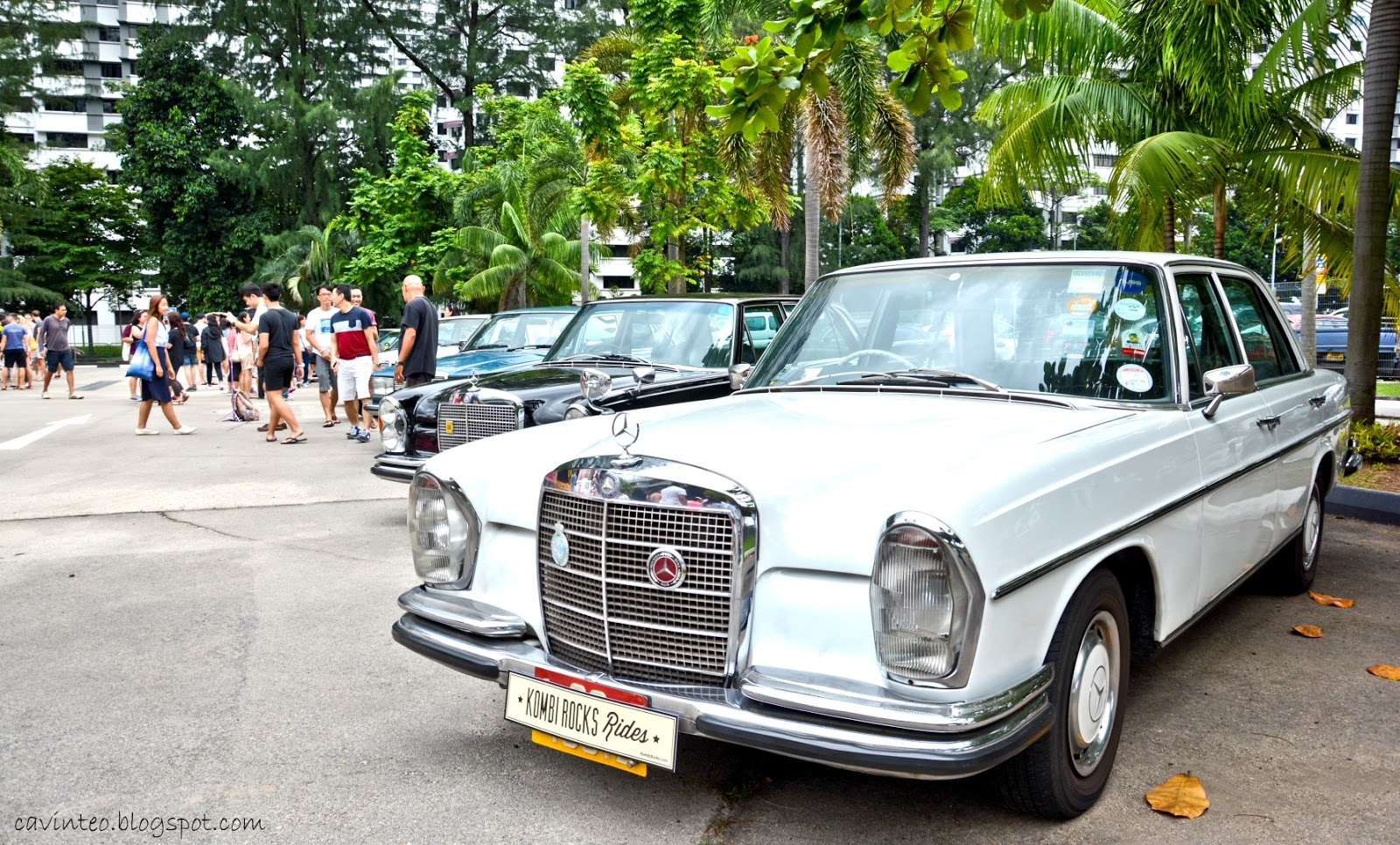 Entree Kibbles: Vintage Cars Galore @ 泰 Fantastic Thai Market [Old ...