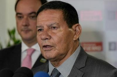 'Se tiver que ir à guerra, levo Moro e Dallagnol comigo', diz Mourão