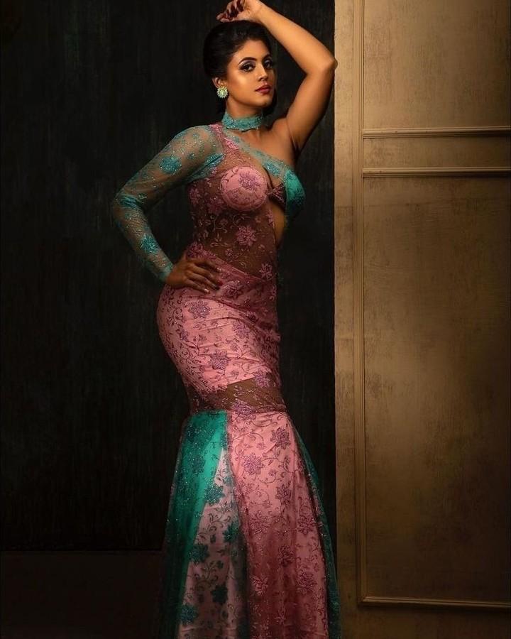 Actress Iniya Latest Hot Photoshoot
