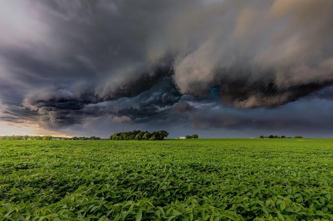 اگلے 48 گھنٹوں کے دوران پنجاب سے خیبر تک موسلادھار بارشیں ہوں گی۔