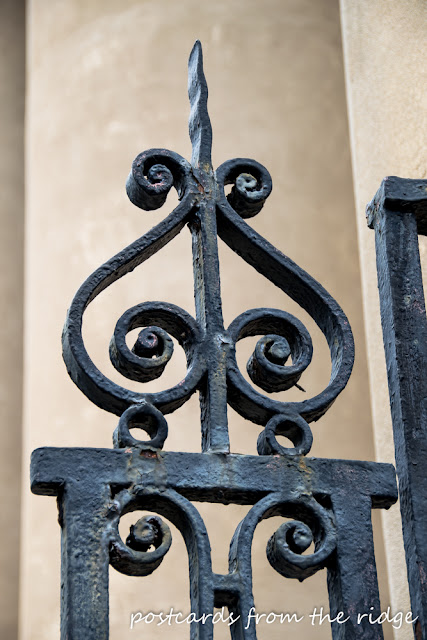 Iron gate in Charleston. Postcards from the Ridge