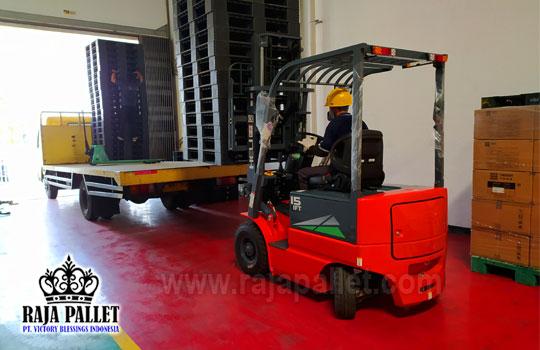 forklift untuk mempercepat loading pallet