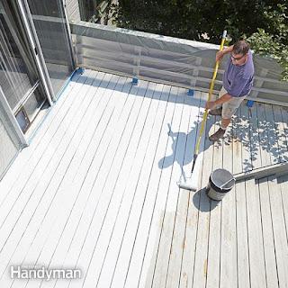 sàn gỗ ngoài trời bị bạc màu