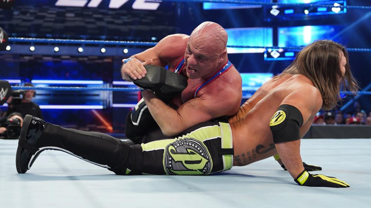 "Kurt Angle sobre Kenny Omega: ""Ele me lembra AJ Styles"""