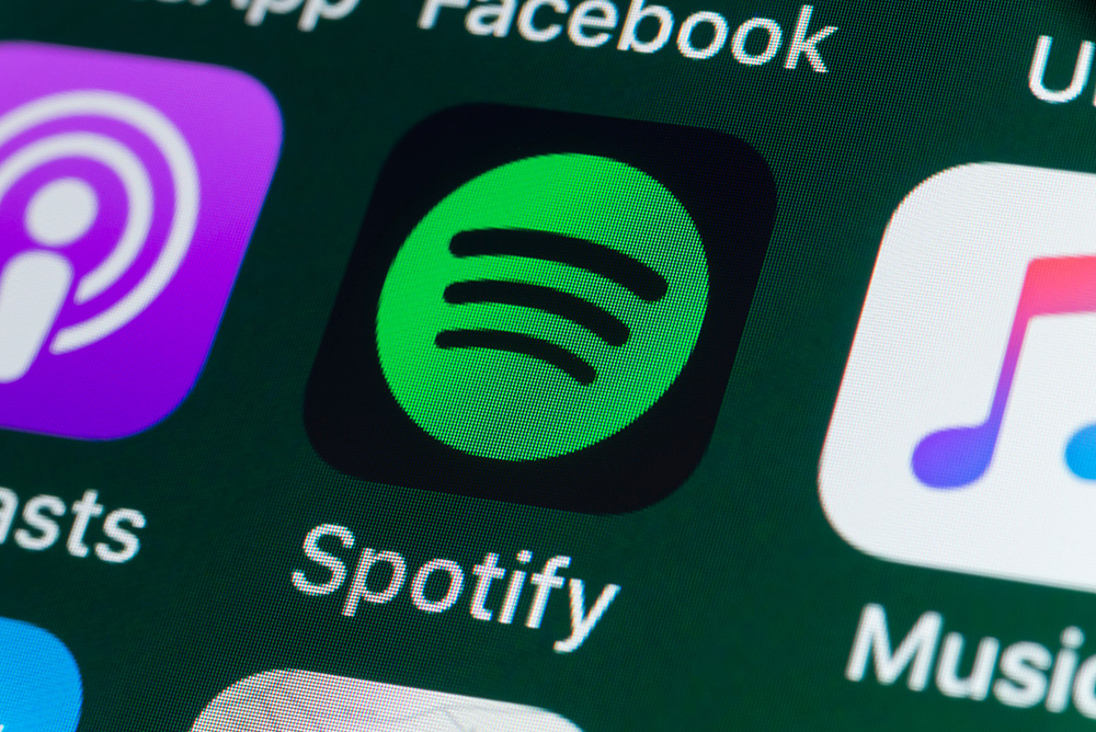 iphone-spotify-video-podcasts