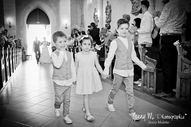 entrée enfants d'honneur dans l'église photo
