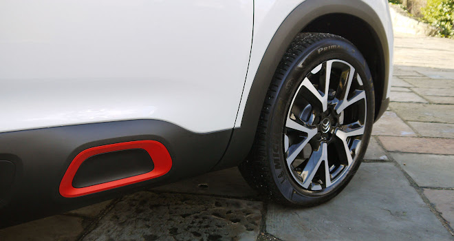 Citroen C5 Aircross colour option airbumps
