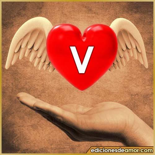 corazón con alas con letra V