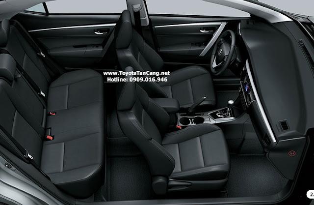 Nội thất Altis 2.0 với ghế da màu kem với trang thiết bị cao cấp hơn