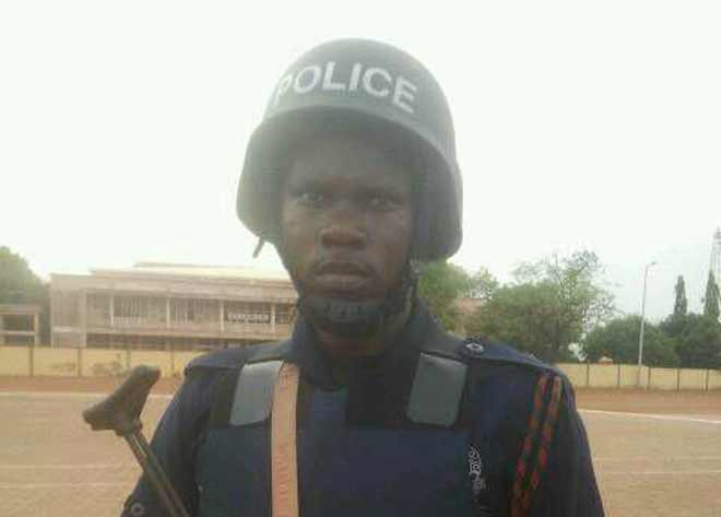 Policeman mistaken for armed robber; shot and killed by patrol team