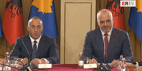 Η απαρχή της «Μεγάλης Αλβανίας: Ανακήρυξη της «Ένωσης» Aλβανίας-Κοσσυφοπεδίου την ημέρα της εθνικής τους εορτής;