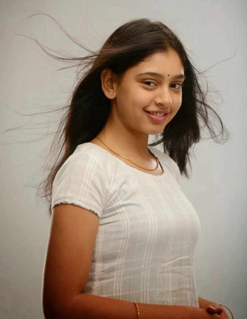 Sonarika Bhadoria Hd Wallpapers Niti Taylor Hd Pics Tv Biography