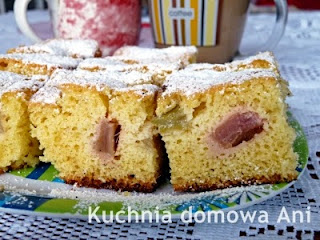 http://kuchnia-domowa-ani.blogspot.com/2014/05/ciasto-z-rabarbarem.html