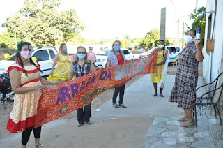 VÍDEO | Prefeita de Guadalupe do Piaui sai em comitiva nas ruas no Arraiá do idoso em período de Isolamento social
