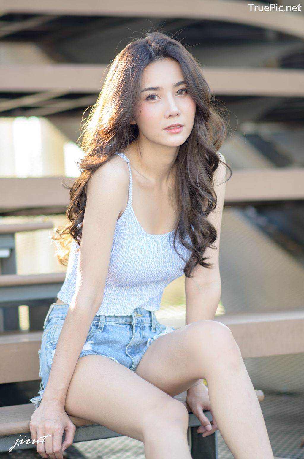 Image-Thailand-Model-Baiyok-Panachon-Cute-White-Crop-Top-and-Short-Jean-TruePic.net- Picture-9