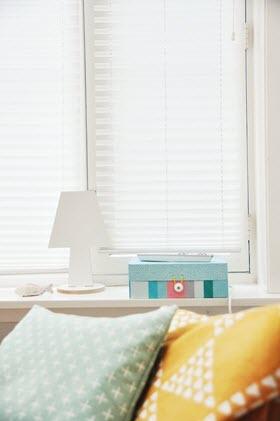 Usa estos tipos de estores para decorar las ventanas de tu hogar