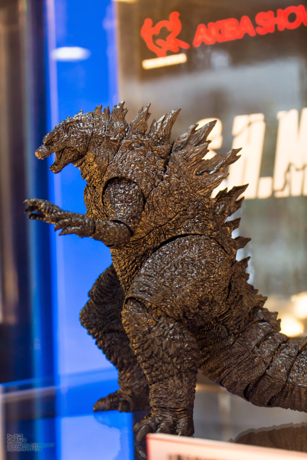S H E Together Forever Hebe: Import Monsters: Akiba Showroom: S.H Monsterarts Godzilla