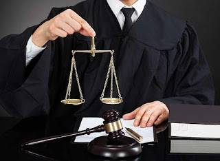 An Essay on (Advocate) Lawyer