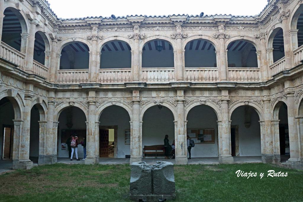 Patio del Palacio de los Anaya