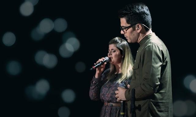 """Paulo César Baruk e Laura Souguellis fazem dueto na clássica """"Não Tenhas Sobre Ti"""""""