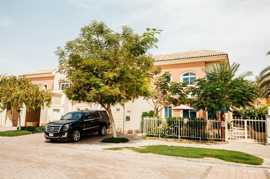 Villas en Dubái - Fantastay - Dubai Sports City