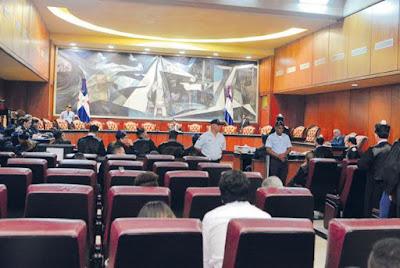 El juicio Odebrecht, que encarta a un empresario agroindustrial y a exfuncionarios, se reinicia hoy en el  Primer Tribunal Colegiado del Distrito Nacional. ARCHIVO