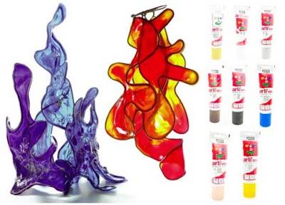 Esculturas abstractas de vidrio flexible con alambre