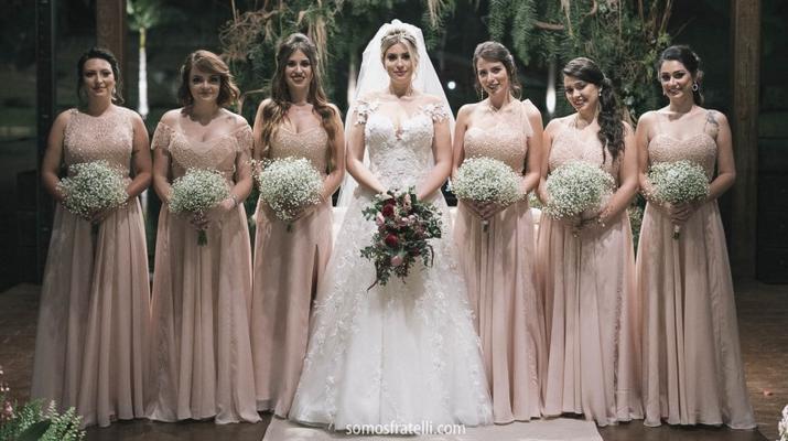 Vestido rosa de madrinha de casamento