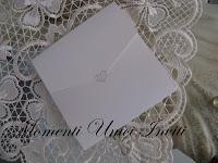 IMG_5142 Partecipazione Pocket in cartoncino perlescente tonalità grigio e rossoColore Grigio Colore Rosso Partecipazioni Pocket