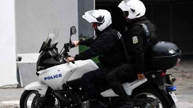 Σοβαρό τροχαίο με αστυνομικούς που αναζητούσαν δράστες πυροβολισμών στην Αθήνα