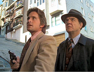 Fue protagonizada por Karl Malden y Michael Douglas en los papeles de dos  detectives de San Francisco. Tuvo una duración de cinco temporadas 7cfcea89a21