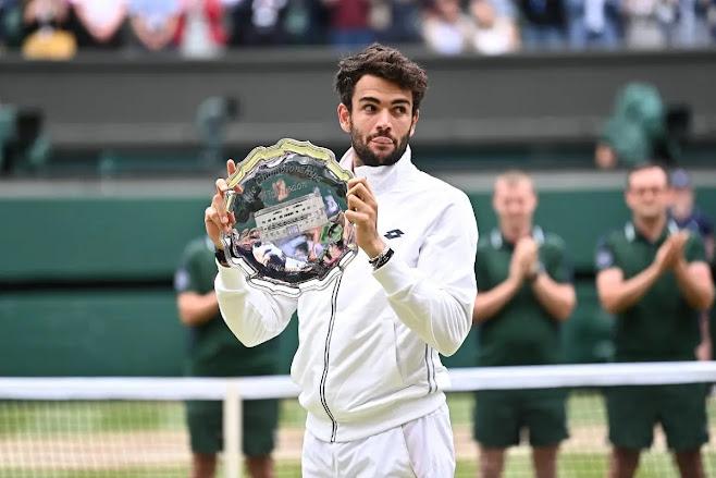 Wimbledon, Djokovic vince il suo sesto titolo. Ma Berrettini dimostra il suo talento