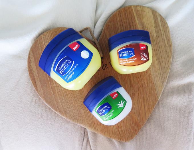 Vaseline là một sản phẩm dưỡng ẩm của công ty Unilever từ năm 1872