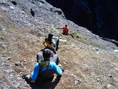 jalur pendakian gunung raung