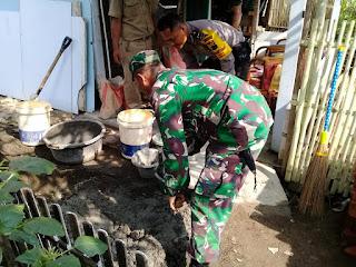 Sinergitas TNI Polri Bantu Bedah Rumah Warga di Kecamatan Jeruklegi