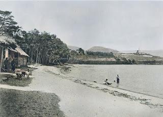 pantai danau toba dan anak-anak