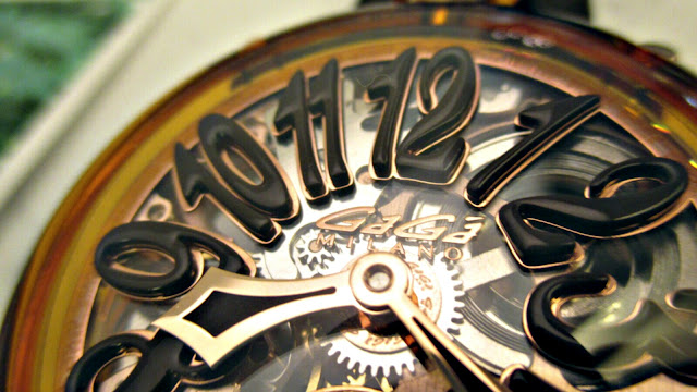 大阪 梅田 イタリア ファッション ウォッチ 腕時計 ガガミラノ GaGa クリスタル スケルトン プレゼント  セレクト SELECT 西梅田時計 西梅田ファッション