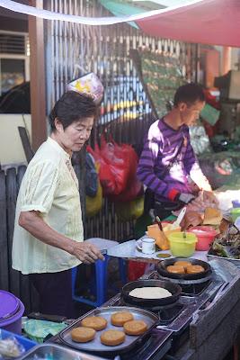Penjual Luok Pan di Pasar Pagi Gang Bangau Gang Bunga