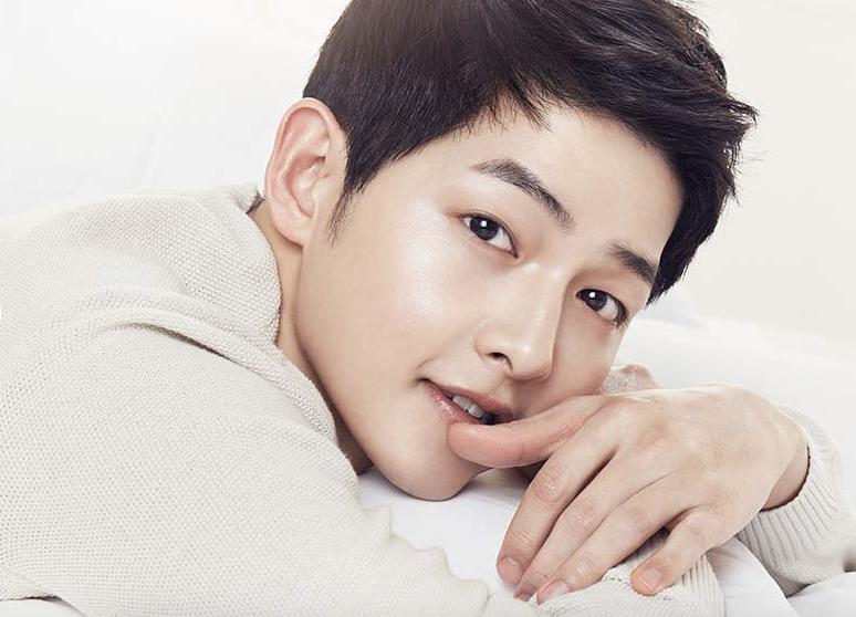 Song Joong Ki Pemeran Yo Si Jin Descendants Of The Sun Dots Sekilas Profil