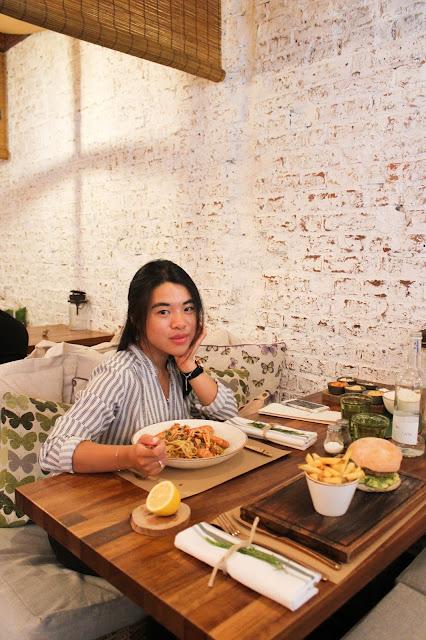 DINING: Bucket Restaurant