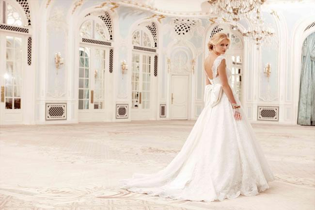 Wedding Dress Sample Sale.Sassi Holford Wedding Dress Sample Sale