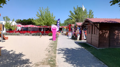 Zona de venda de artigos de praia
