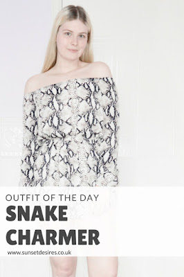 https://www.sunsetdesires.co.uk/2018/04/ootd-snake-charmer.html