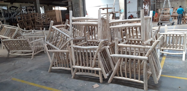 Furniture daru ranting kayu jati