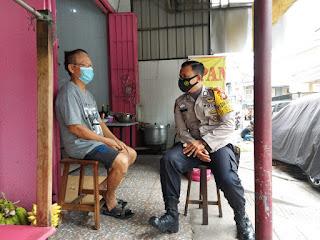 Blusukan di Pemukiman Warganya, Bhabinkamtibmas Melayu Baru ingatkan Prokes