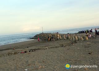 Pantai Bojongsalawe