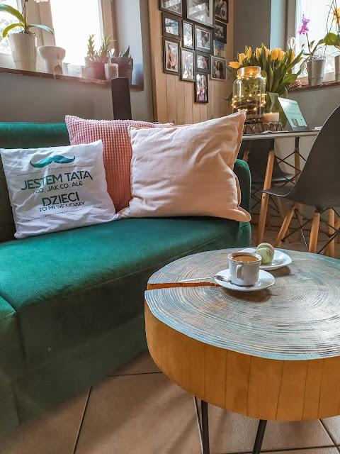 Salon, jadalnia i sypialnia na 15m2 - czyli jak aranżować małe powierzchnie.