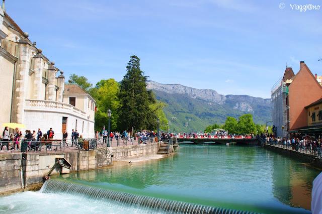 Le Thiou il fiume che attraversa Annecy