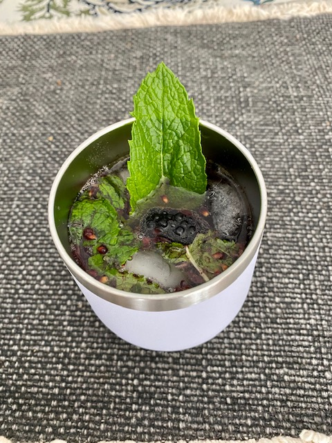 Summery Cocktail - vodka, sparkling water, mint, blackberries