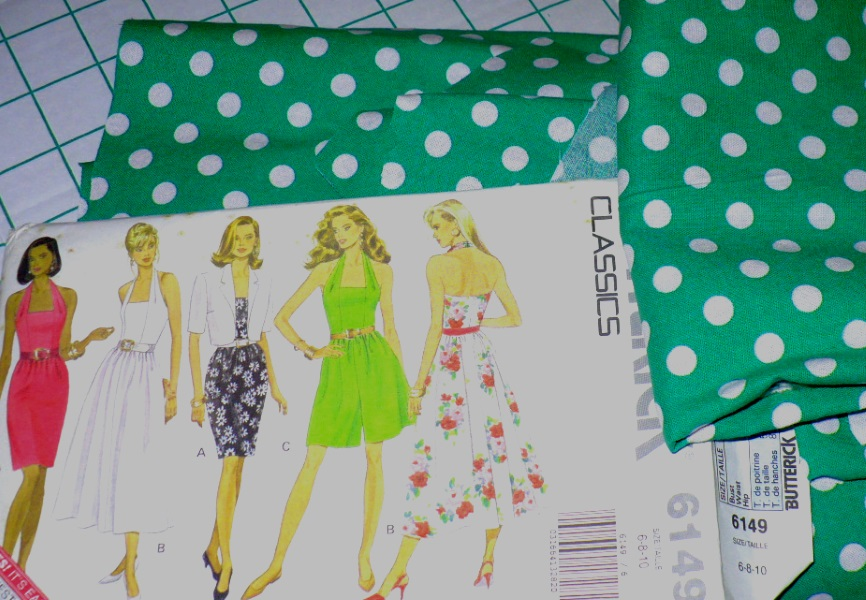 25f5534abf And here's the Vogue Isaac dress that I really should get started on  already. It's going to be a quick sew, but it's still waiting in the queue  because I ...